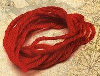 Красная шерстяная нить для приворота
